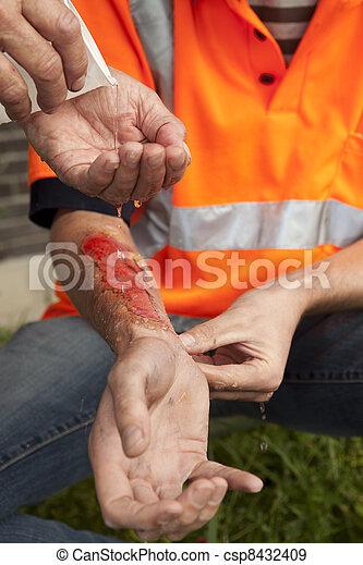 事故, aid., work., 首先 - csp8432409