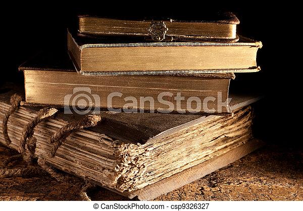 古董, 書, 堆積 - csp9326327