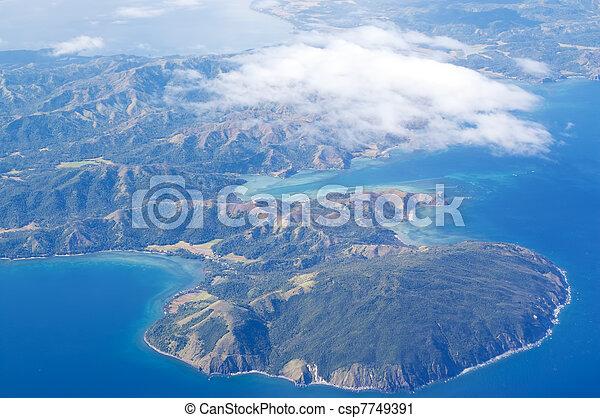 島, 空中的觀點 - csp7749391