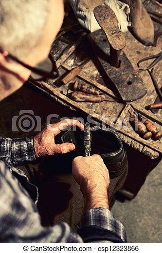 工作, 補鞋匠 - csp12323866