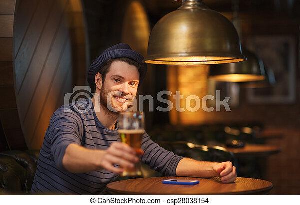 酒吧, pub, 啤酒, 喝酒, 人, 或者, 愉快 - csp28038154
